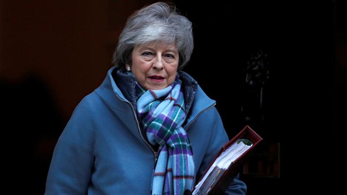 """Primera ministra británica está """"decidida"""" a materializar el """"brexit"""" sin retrasos"""