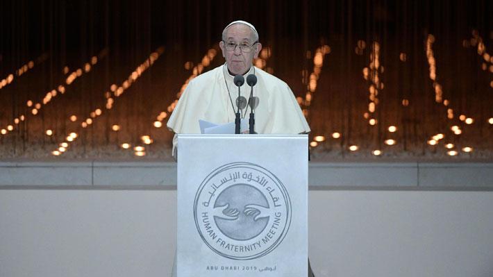 """Papa Francisco realiza primera visita en la Península Arábiga como """"un hermano que busca la paz con los hermanos"""""""