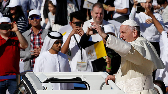 """Papa Francisco pide a los cristianos en la península arábiga que sus comunidades sean """"oasis de paz"""""""