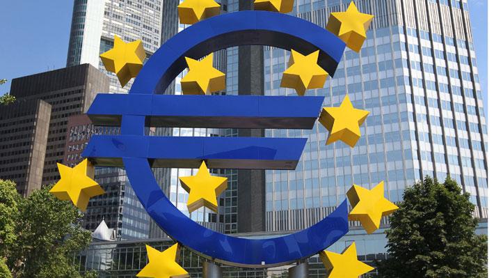"""Eurozona registra su PMI más bajo en cinco años y medio: Economistas advierten que """"lo peor puede estar por llegar"""""""