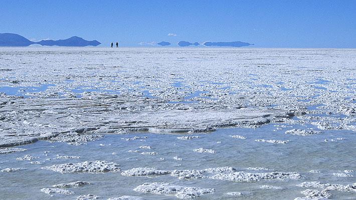 Evo con la mirada fija en el litio: Bolivia elige firma china para invertir US$2.300 millones en proyectos