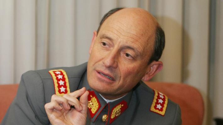 Notifican de procesamiento a general (r) Juan Emilio Cheyre por nuevo caso de violaciones a los DD.HH.