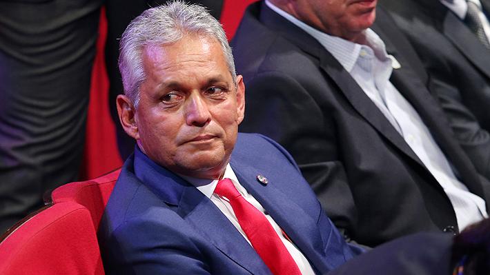 """Rueda reconoce que Vargas está afuera por problemas """"extrafutbolísticos"""" pero se abre a su retorno a la """"Roja"""""""