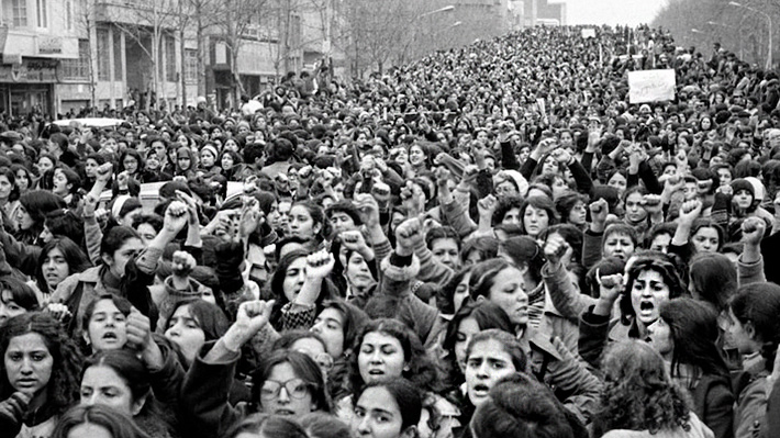 Fotos: Así fue el último día en que las mujeres iraníes pudieron salir a la calle sin velo