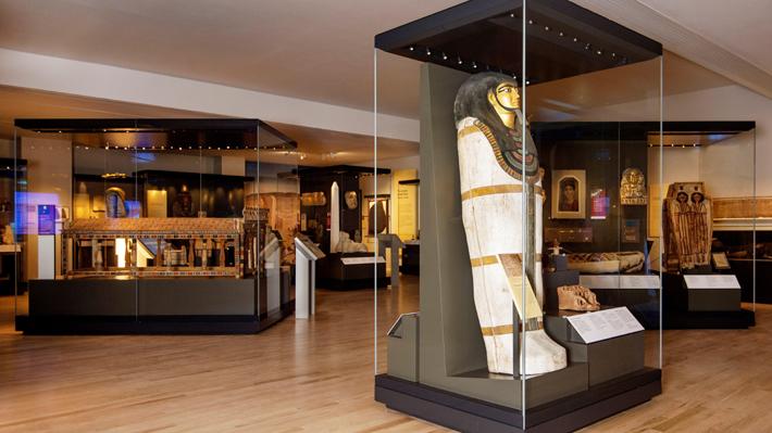 Egipto desconfía de que haya sido obtenida legalmente: Museo de Escocia exhibe piedra de pirámide de Giza