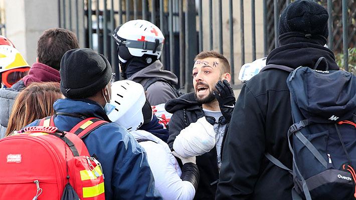 """Manifestante pierde una mano durante protesta de los """"chalecos amarillos"""" en París"""