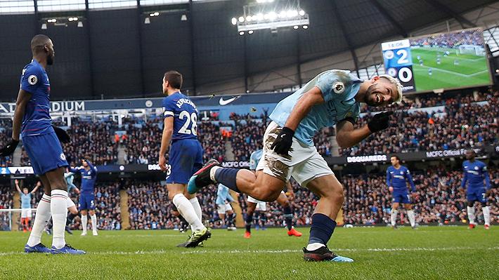 Con una histórica exhibición de Agüero, el City aplastó 6-0 al Chelsea y alcanzó al Liverpool en la cima de la Premier