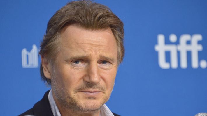"""Liam Neeson es foco de duras críticas que cuestionan sus """"privilegios"""" en Hollywood tras polémica declaración racista"""