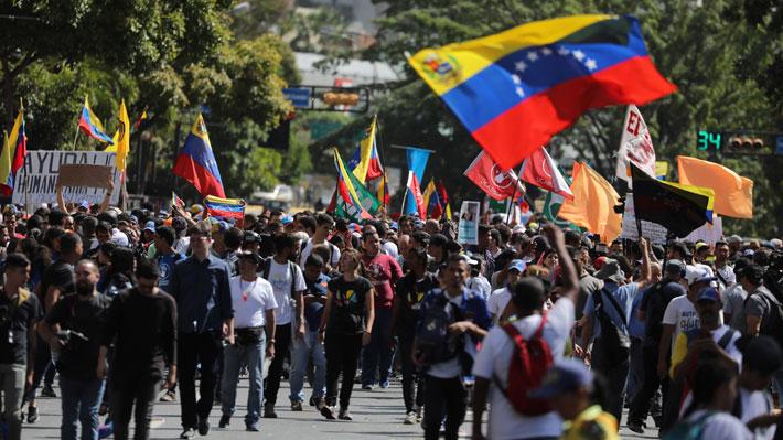Comienzan marchas convocadas por Guaidó para exigir el ingreso de ayuda humanitaria en Venezuela