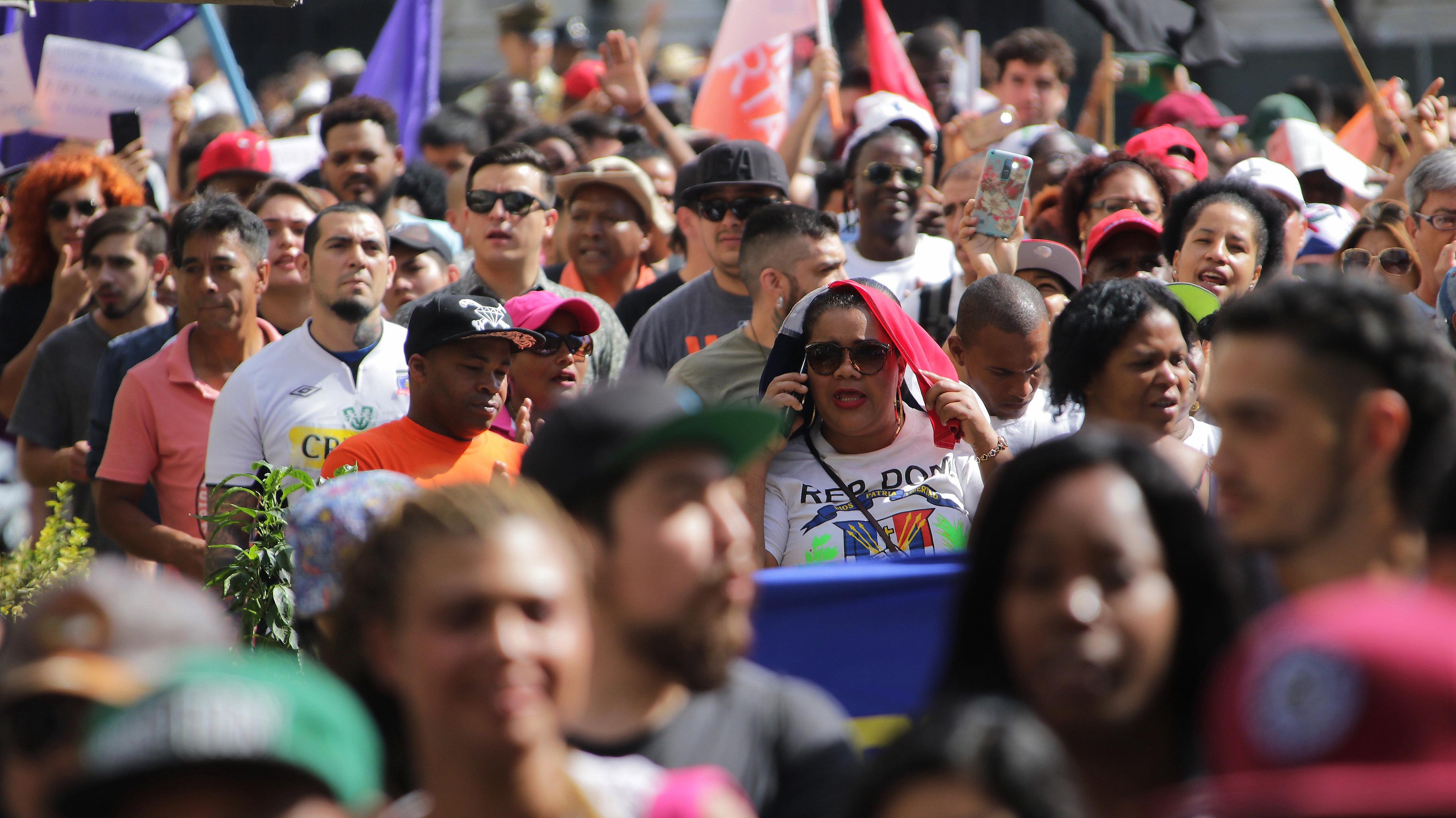 Gobierno estima en 1.251.225 el número de extranjeros y venezolanos desplazan a peruanos como principal grupo