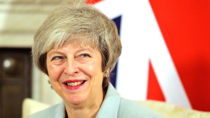 Parlamento británico rechaza moción para respaldar gestiones de May ante el Brexit