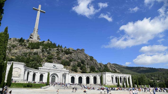 Gobierno español concreta su promesa estrella y aprueba la orden para exhumar los restos de Franco