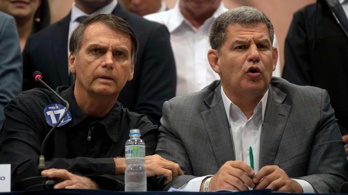 Bolsonaro saca a uno de sus ministros más cercanos en la primera crisis de su gobierno