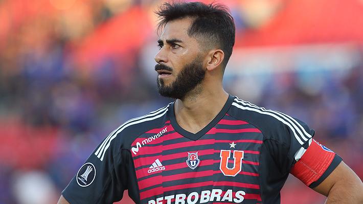 Johnny Herrera golpea la mesa, lanza duros dardos a la dirigencia de la U y reconoce discusión con Sabino Aguad
