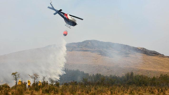"""Alcalde de Cochrane dice que Chile """"no está preparado"""" para enfrentar incendios forestales y llama a Piñera a visitar zona"""