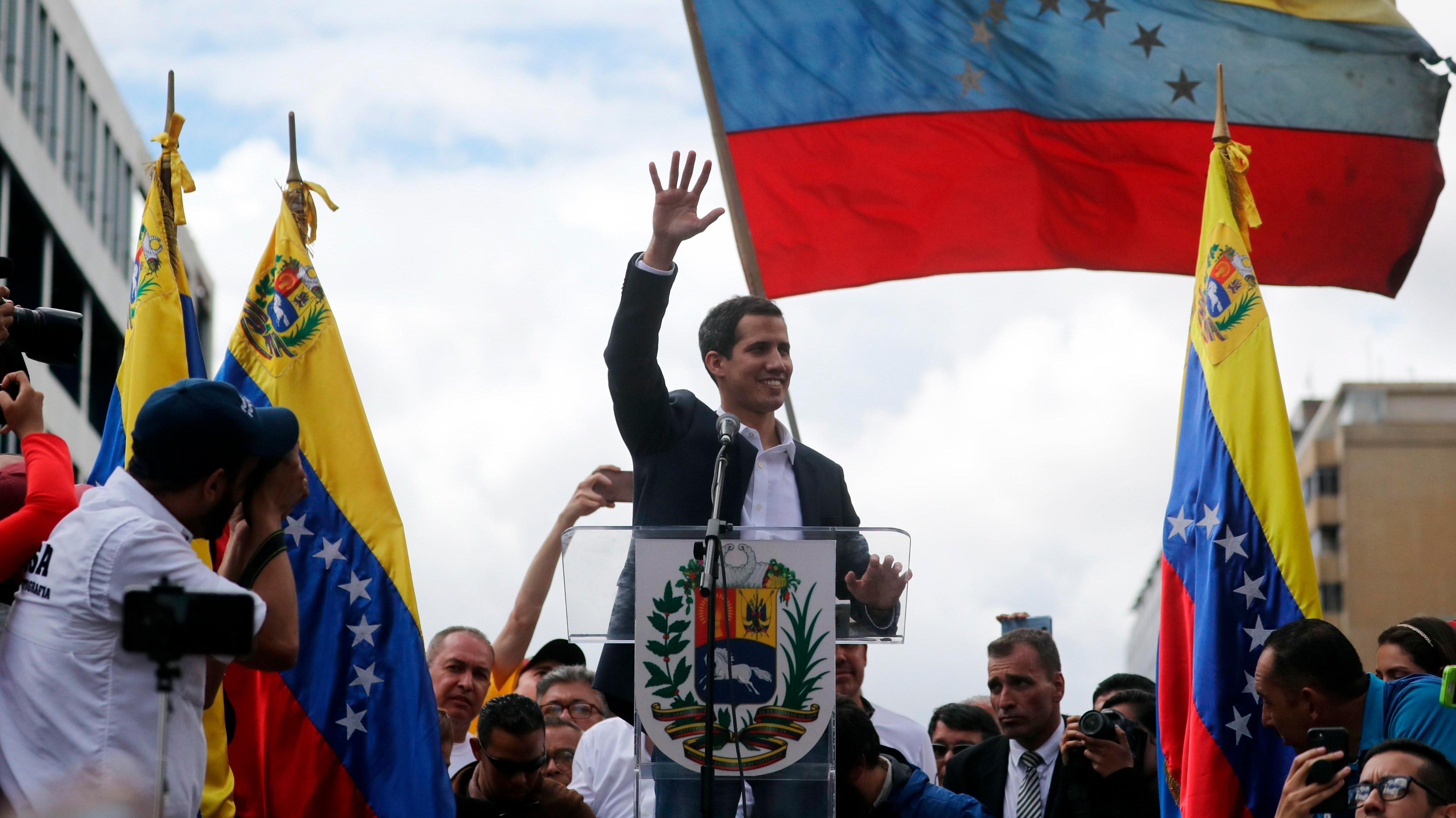 Guaidó llama a realizar movilizaciones en Venezuela para forzar la entrada de ayuda humanitaria