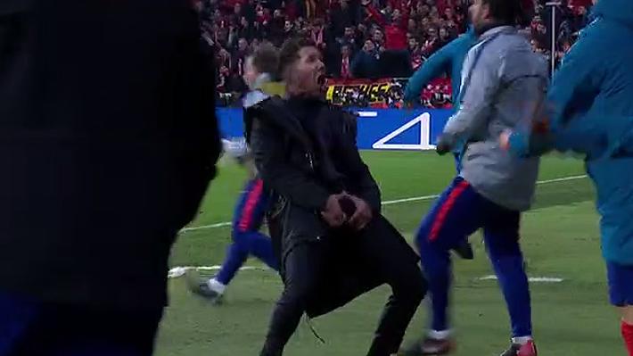 El polémico gesto de Diego Simeone en duelo por Champions y la curiosa explicación que dio
