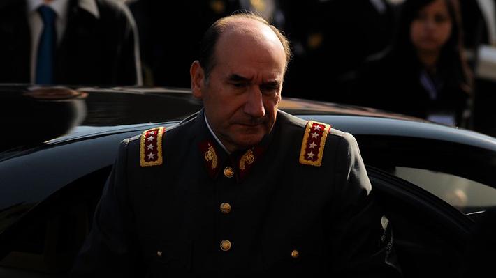 Procesan a ex comandante Fuente-Alba por malversación de $3.500 millones tras cinco días detenido