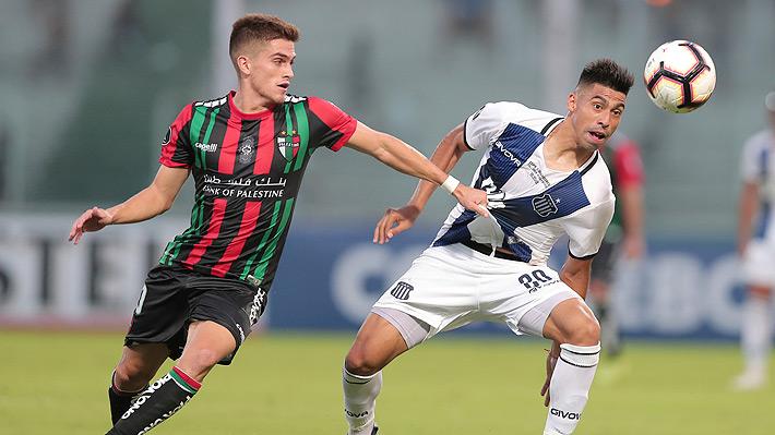 Guillermo Soto, el lateral formado en la UC que brilla en Palestino en la Libertadores y que fue elogiado en Argentina