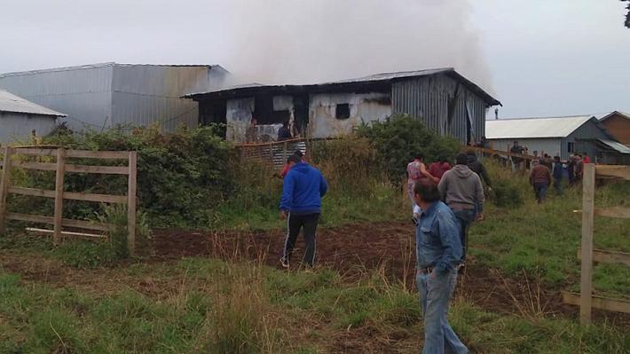 Dos hermanos de 2 y 7 años mueren en el incendio de su casa en Calbuco