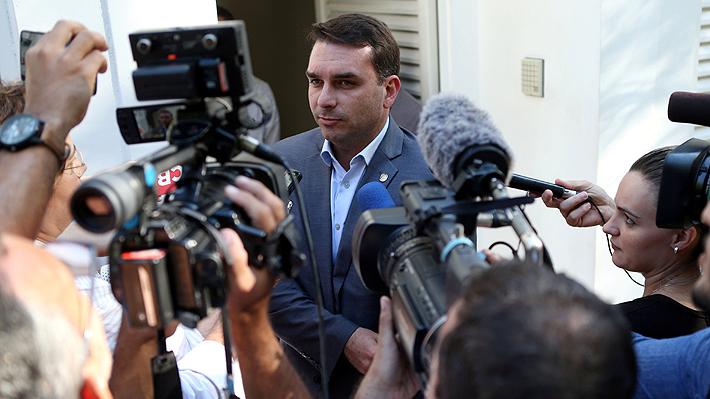 Fiscalía de Brasil abre investigación contra hijo de Bolsonaro por lavado de dinero