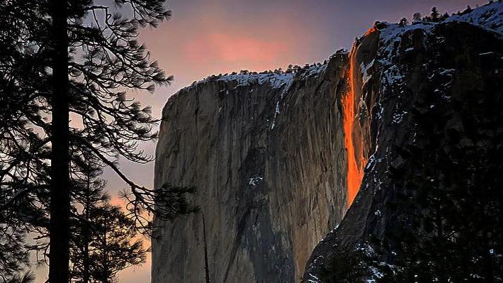 """Fotos: Así es la """"cascada de fuego"""", el extraño fenómeno que maravilla en el parque Yosemite"""