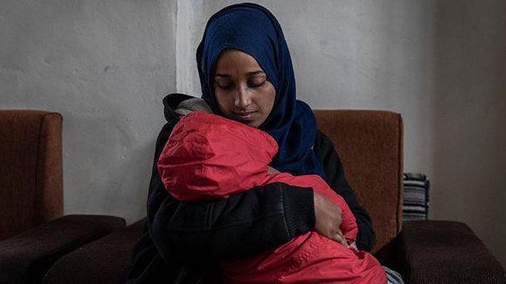 Hoda Muthana, la joven que se unió al ISIS en 2014 y ahora pide volver a EE.UU. junto a su hijo