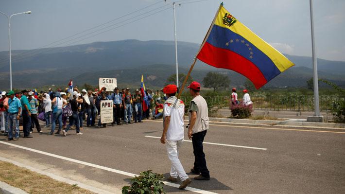 Gobierno de Venezuela ordena cerrar frontera con Colombia en el estado de Táchira