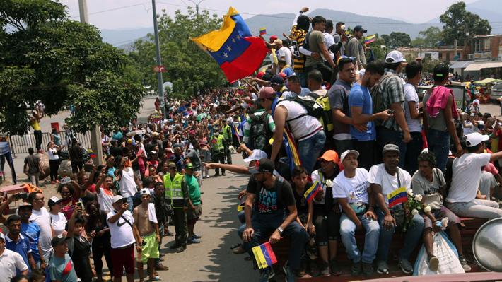 Aumentan a 18 los uniformados que desertaron de Venezuela y se sumaron a la oposición