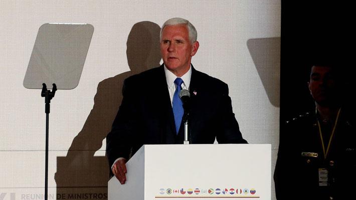 """Pence anuncia nuevas sanciones contra Venezuela y dice que quienes están con Maduro no son más de """"30 usurpadores"""""""