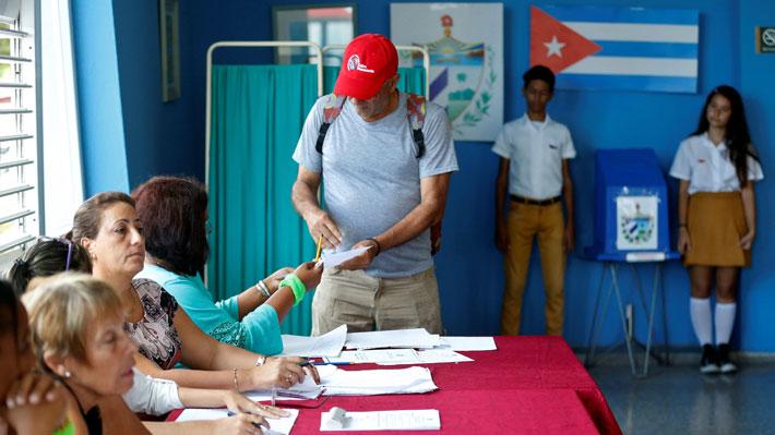 Sin sorpresas: Con el 86,6% cubanos aprueban cambiar Constitución vigente desde 1976
