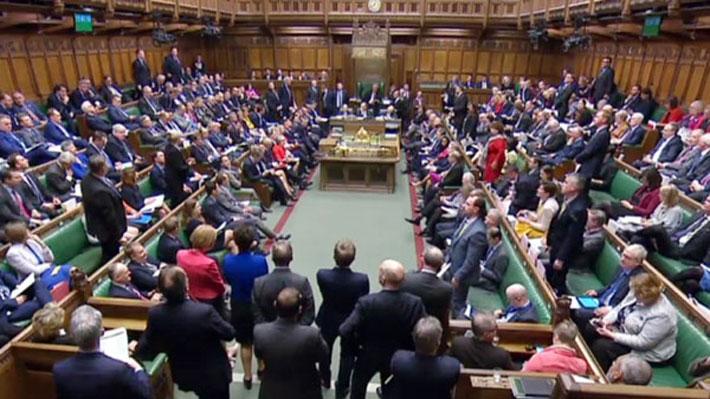 Parlamento británico aprobó enmienda donde piden al Gobierno votar una prórroga para el Brexit