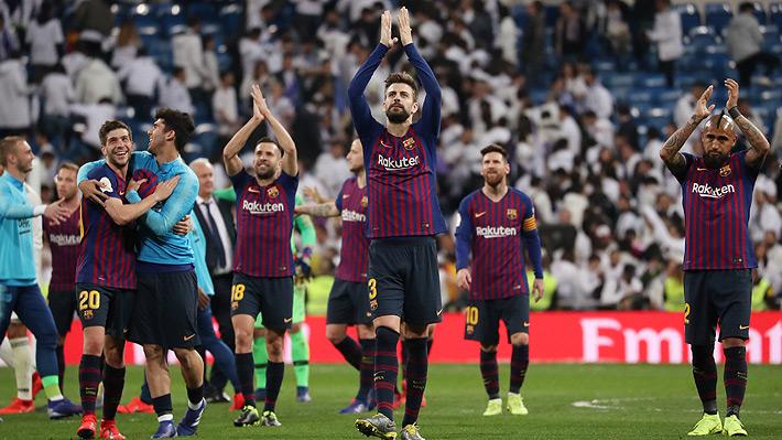 Vidal vio acción en un Barcelona que sin jugar bien venció con contundencia al Madrid y se instaló en la final de Copa del Rey