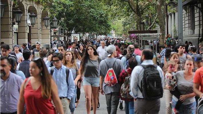 Tasa de desempleo en Chile sube a 6,8% entre noviembre-enero en línea con las expectativas del mercado