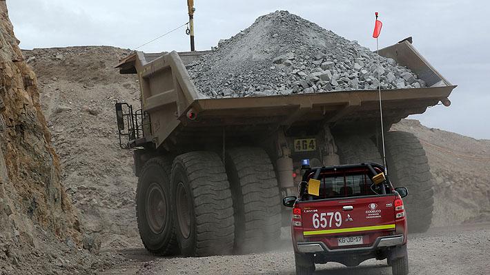 Débil inicio de año: Producción industrial en Chile se contrae en enero y minería se hunde casi 5%