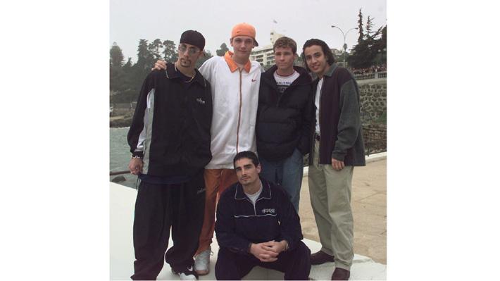 """Director del Festival de Viña 1998 recuerda show de los Backstreet Boys: """"Nunca había visto ese nivel de locura"""""""