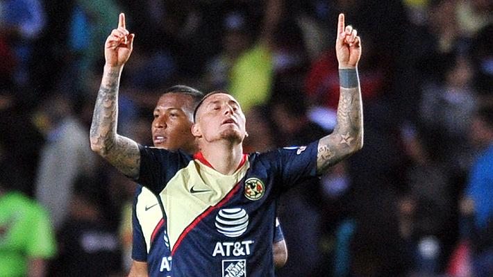 Tremendo derechazo al ángulo: Revisa el golazo de tiro libre que marcó Nicolás Castillo en México