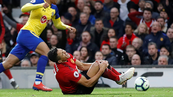 Las imágenes del dolor y sufrimiento de Alexis tras lesionarse de la rodilla en duelo del United