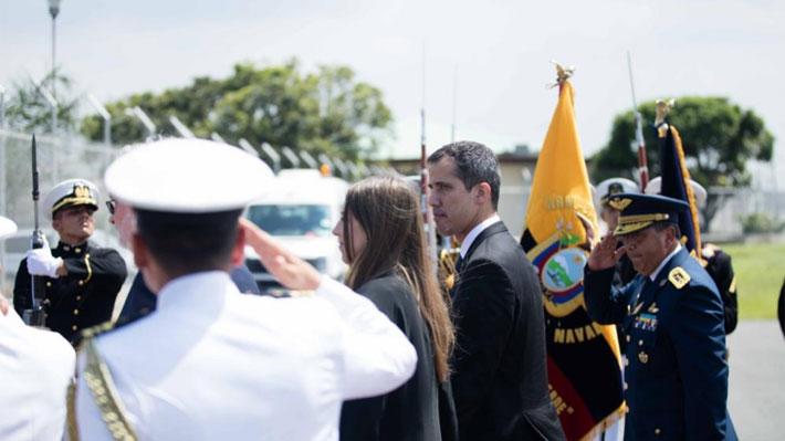 """Guaidó llega a Ecuador, reitera su oferta de amnistía militar y avisa de """"consecuencias"""" a quienes """"vayan en contra del pueblo"""""""