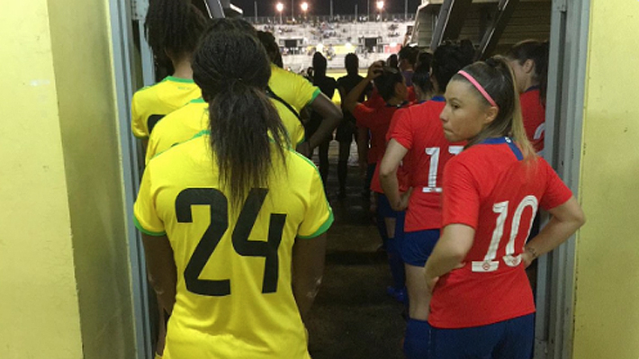 """La """"Roja"""" femenina no levanta cabeza y suma su quinta derrota consecutiva de cara al Mundial de Francia"""