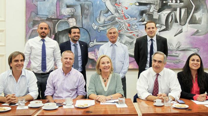 Cecilia Morel presenta comité de coordinación legislativa del adulto mayor y asegura que incluirá a la oposición