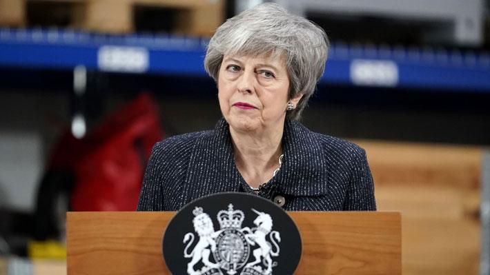 """May asegura que sin acuerdo por el Brexit el Reino Unido podría """"no salir nunca"""" de la UE"""
