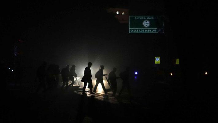 Servicio eléctrico comienza a restablecerse en varias zonas de Caracas tras apagón general