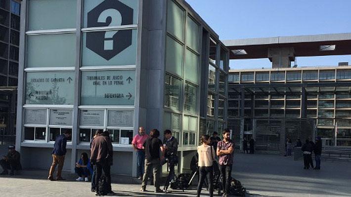 Autores de ataque homofóbico al interior de un Transantiago quedan en prisión preventiva