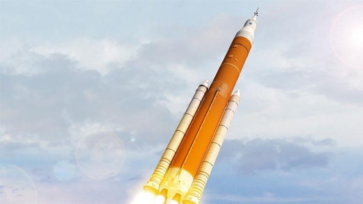 La NASA retoma la construcción de su nuevo cohete y espera llevar una tripulación a la Luna en 2023