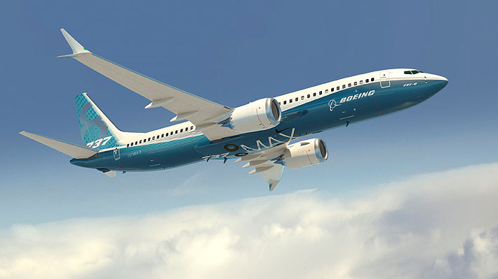 """El impacto del Boeing 737 MAX 8, el avión """"estrella"""" de la compañía que le ha generado una de sus peores crisis"""
