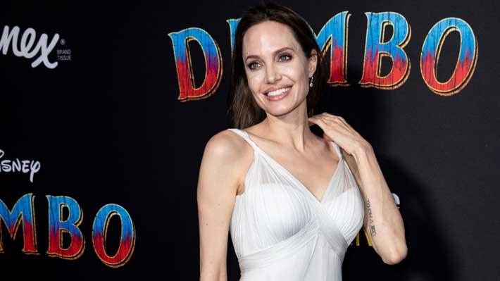 Fotos: Una elegante Angelina Jolie reapareció en una alfombra roja junto a cuatro de sus seis hijos