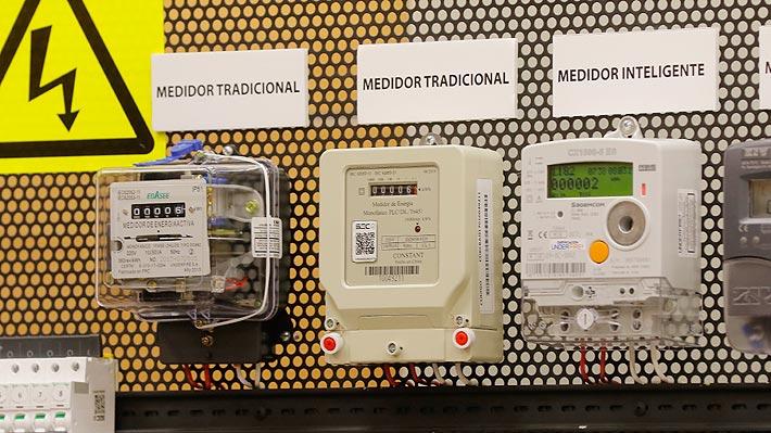 Gobierno explora acuerdo con eléctricas para que éstas le compren el medidor antiguo a los clientes