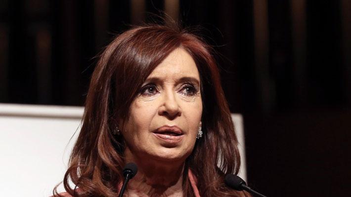 """Cristina Fernández revela que su hija está bajo tratamiento en Cuba por """"severos problemas de salud"""""""