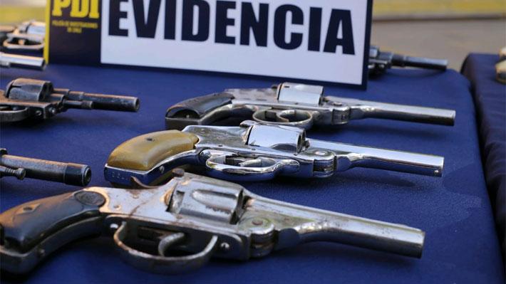 Nueva estrategia policial permite la entrega de 108 armas de fuego y más de mil municiones en La Cisterna